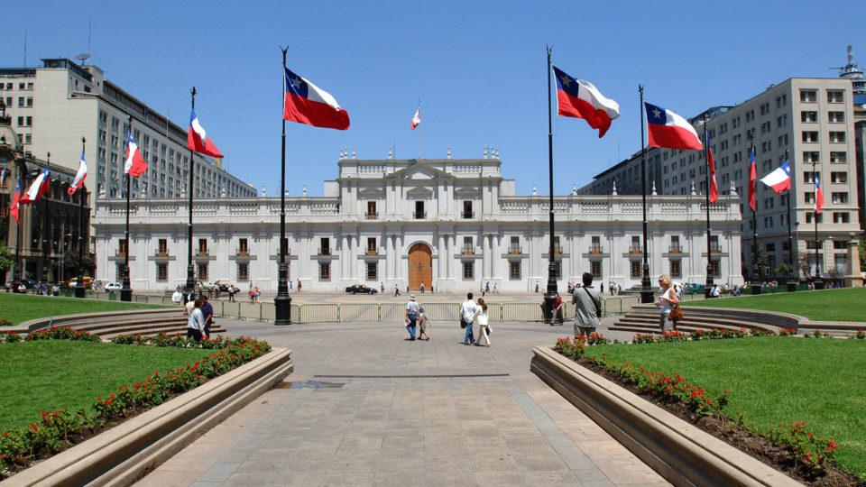 Palácio de La Moneda, em Santiago, sede do Poder Executivo chileno. Imagem ilustrativa.