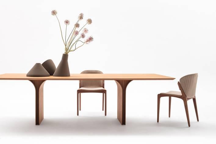 Mesa Palma e cadeira Luisa, do portfólio do Estudiobola.
