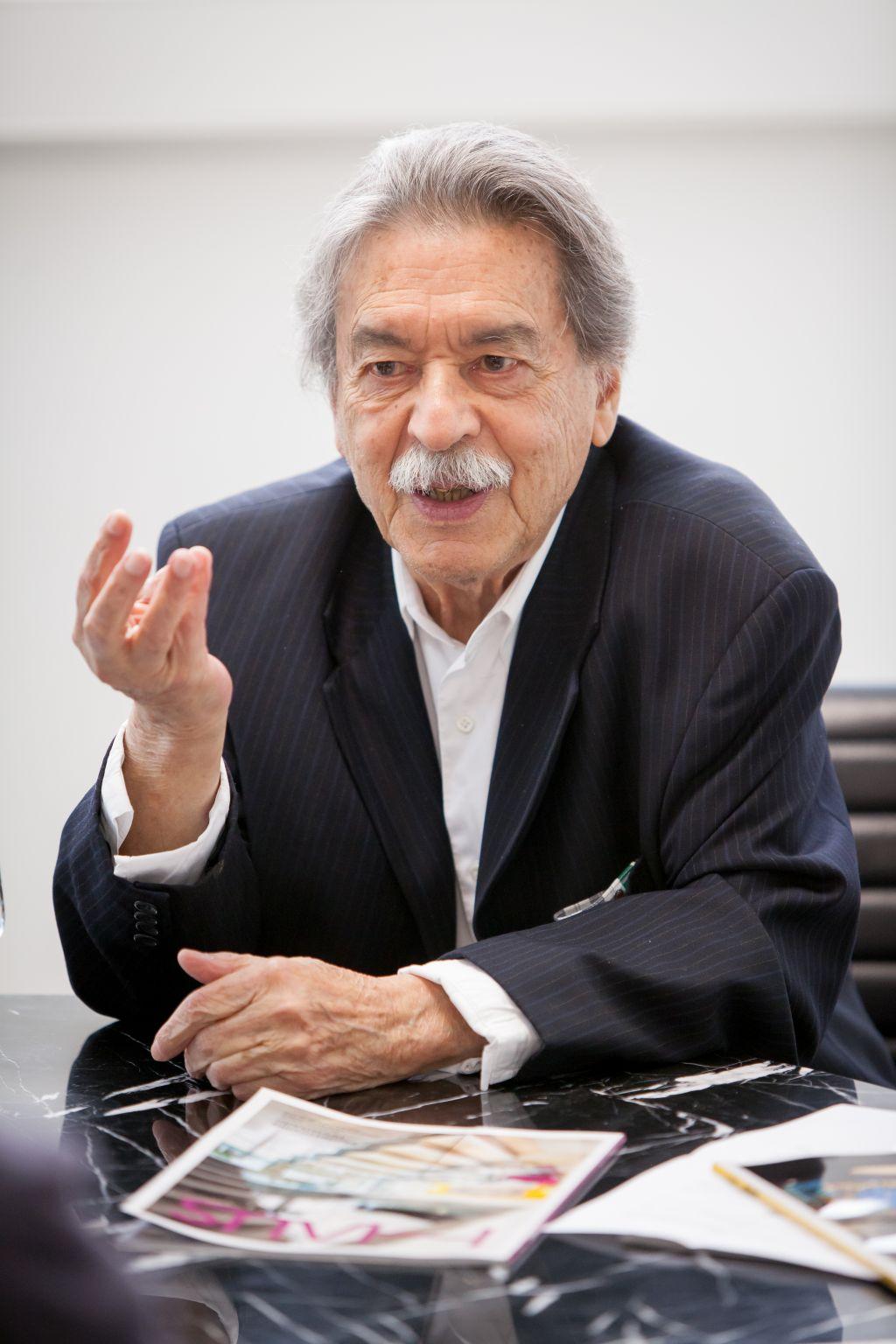 Fotos do arquiteto Paulo Mendes da Rocha durante a entrevista e Retrato após para a Revista HAUS. Na foto: Paulo Mendes Rocha, 86. Arquiteto.  Local: Museu Oscar Niemeyer