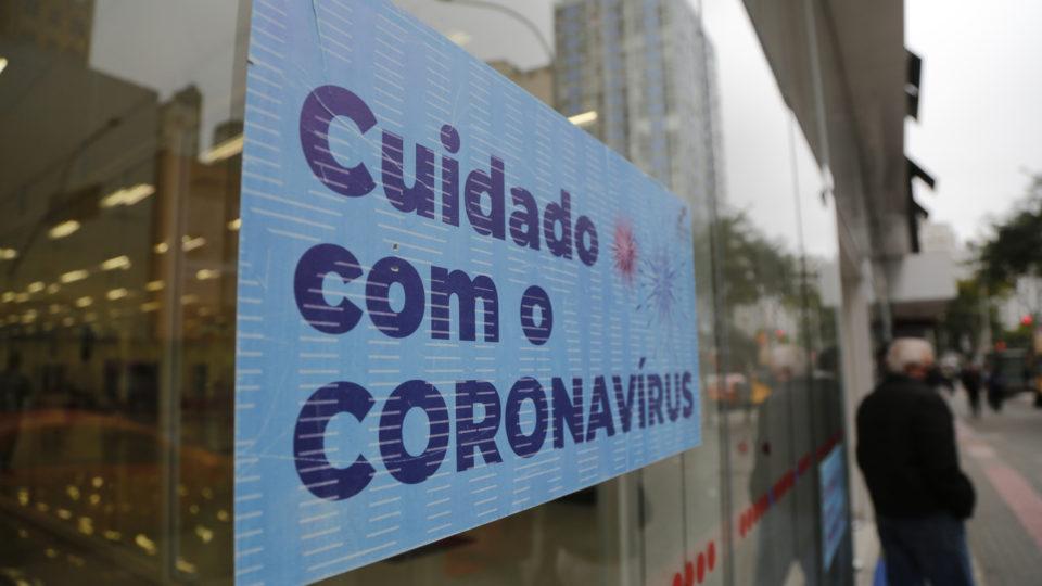 Curitiba tem melhora geral nos índices da Covid, mas variante Delta é ameaça latente