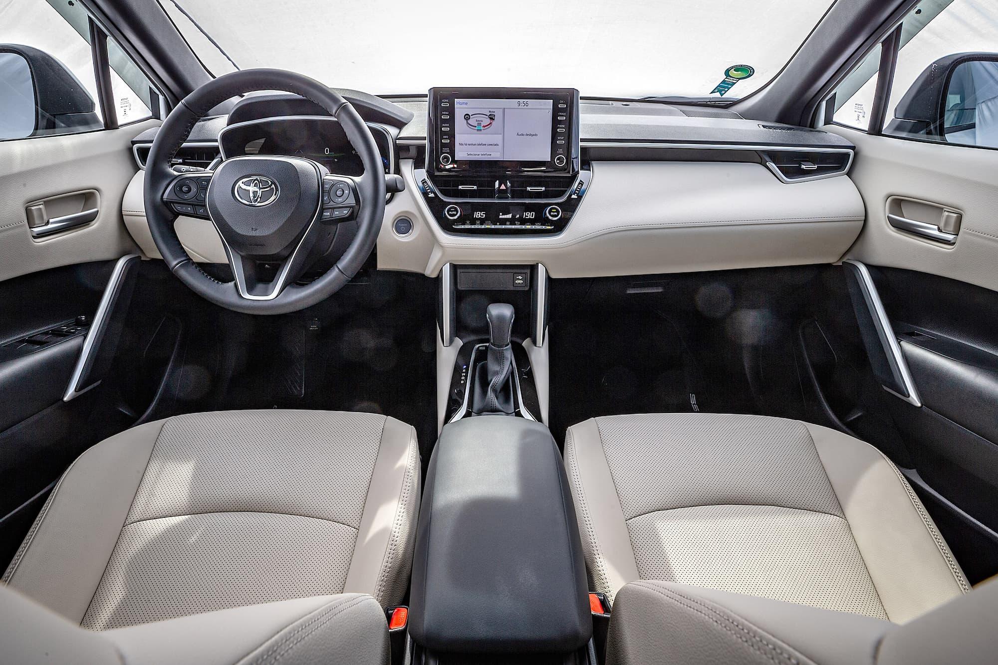 Interior do Toyota Corolla Cross