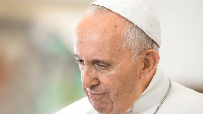 O papa Francisco anunciou uma reforma no Código de Direito Canônico da Igreja Católica que endurece regras sobre abusos contra menores