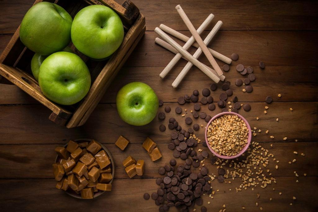 A caramel apple tradicional é feita de maçã verde. Foto: Letícia Akemi/Gazeta do Povo