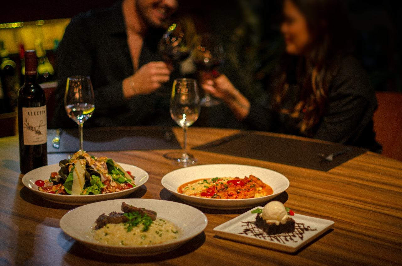Dia dos Namorados Restaurante Street 444