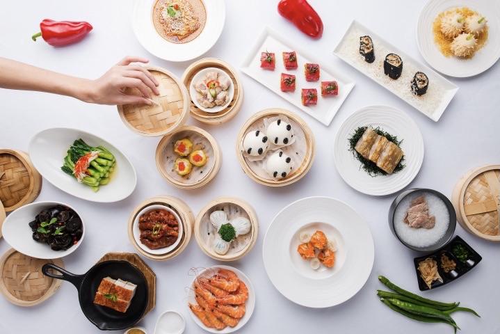 No cardápio promocional cantonês, nada menos que 80 pratos no rodízio, entre eles, 20 indicações do Chef! Delicadeza, suavidade, preparos pra lá de especiais. Difícil saber por onde começar, impossível parar!