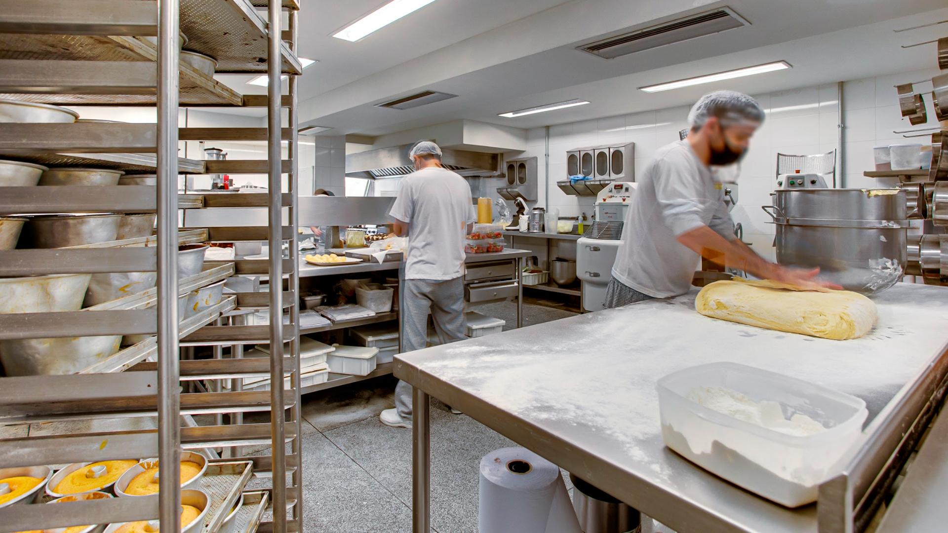 Na atualização da estrutura física, a Saint Germain optou por centralizar a produção na loja Ecoville, onde conta com uma área de produção completa e modernizada.