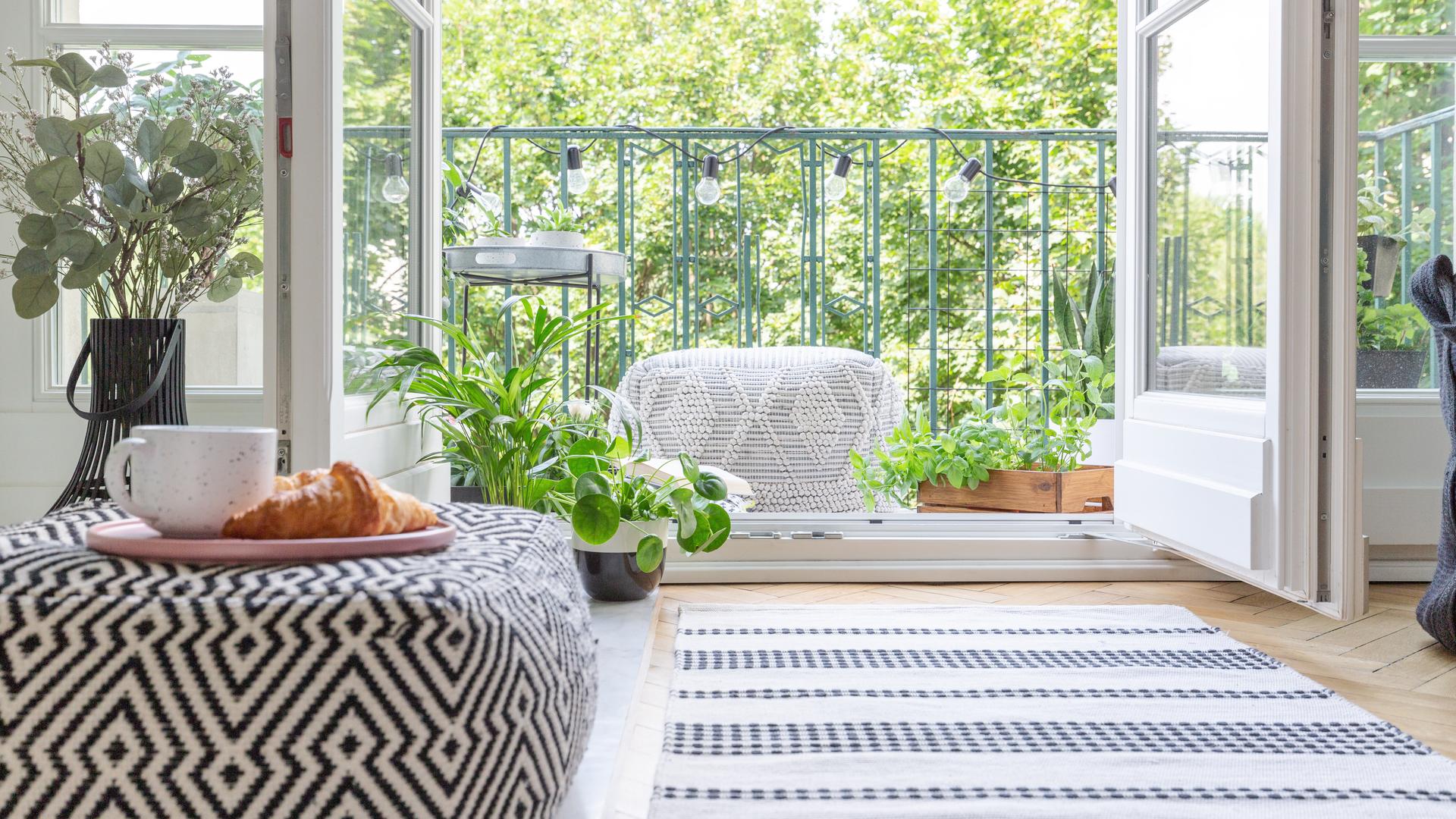 A Tessaro Home & Garden trabalha com a sua criatividade, criando móveis sob medida para todo gosto e estilo.