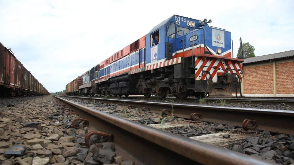 Locomotiva da Ferroeste em operação em Guarapuava, em abril de 2019