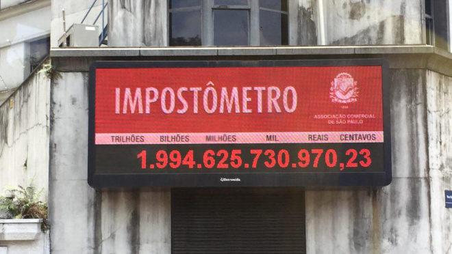 Tempo que empresas gastam com impostos no Brasil é o maior do mundo, diz Banco Mundial