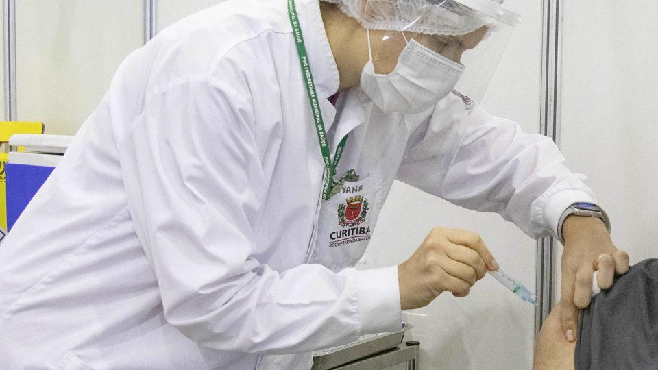 Veja os grupos que serão vacinados contra a Covid em Curitiba nesta quinta-feira (17)