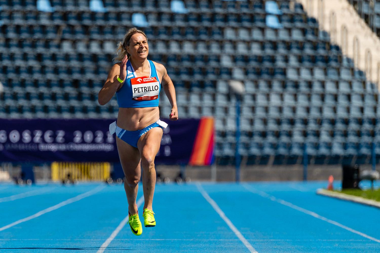 <em>Valentina Petrillo: Meses após passar para a categoria feminina, atleta trans estabeleceu novo recorde na corrida de 400 metros. (Crédito: Reprodução Facebook Fispes)</em>