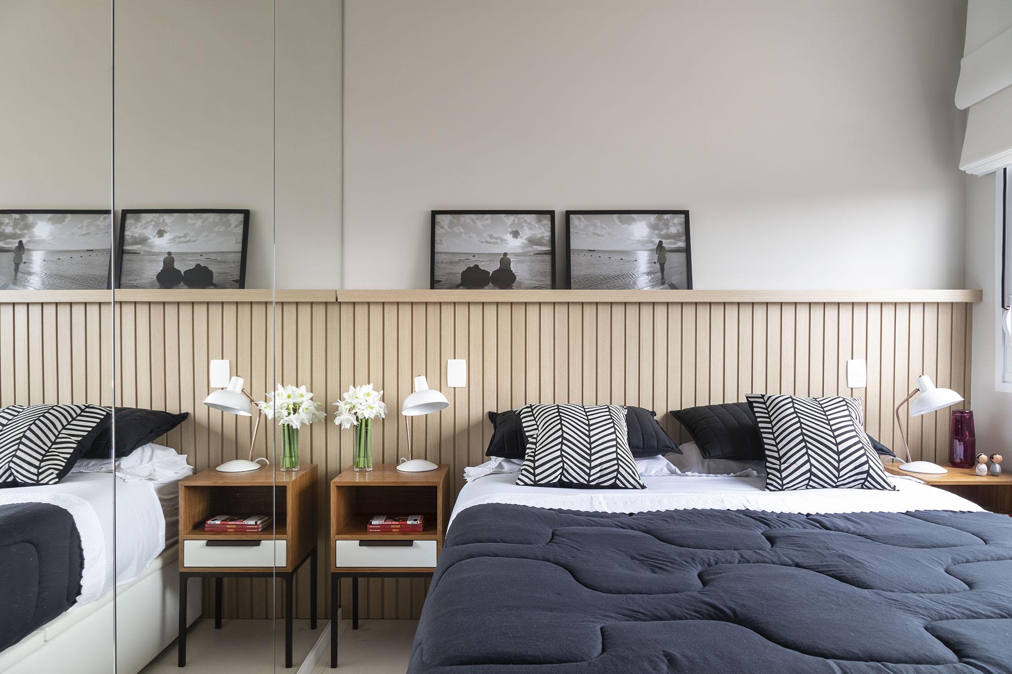 Tons neutros foram a escolha para móveis e decoração do quarto de casal.