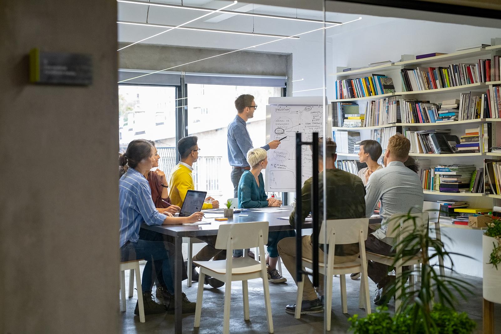 """""""Ir ao trabalho é uma atividade enriquecedora, de trocas sociais e simbólicas."""""""