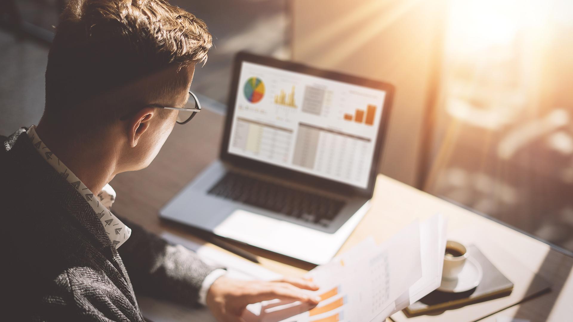 Com recursos online, contabilidade digital e híbrida facilitam comunicação e processos entre contador e empresa.