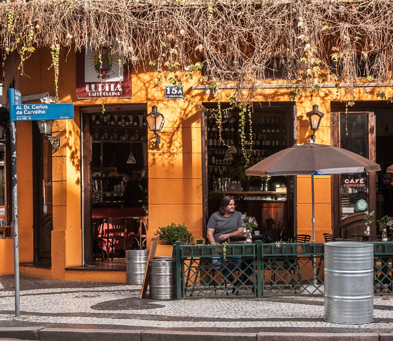 Dudu Sperandio acaba de abrir também o Lupita, um café no centro de Curitiba.