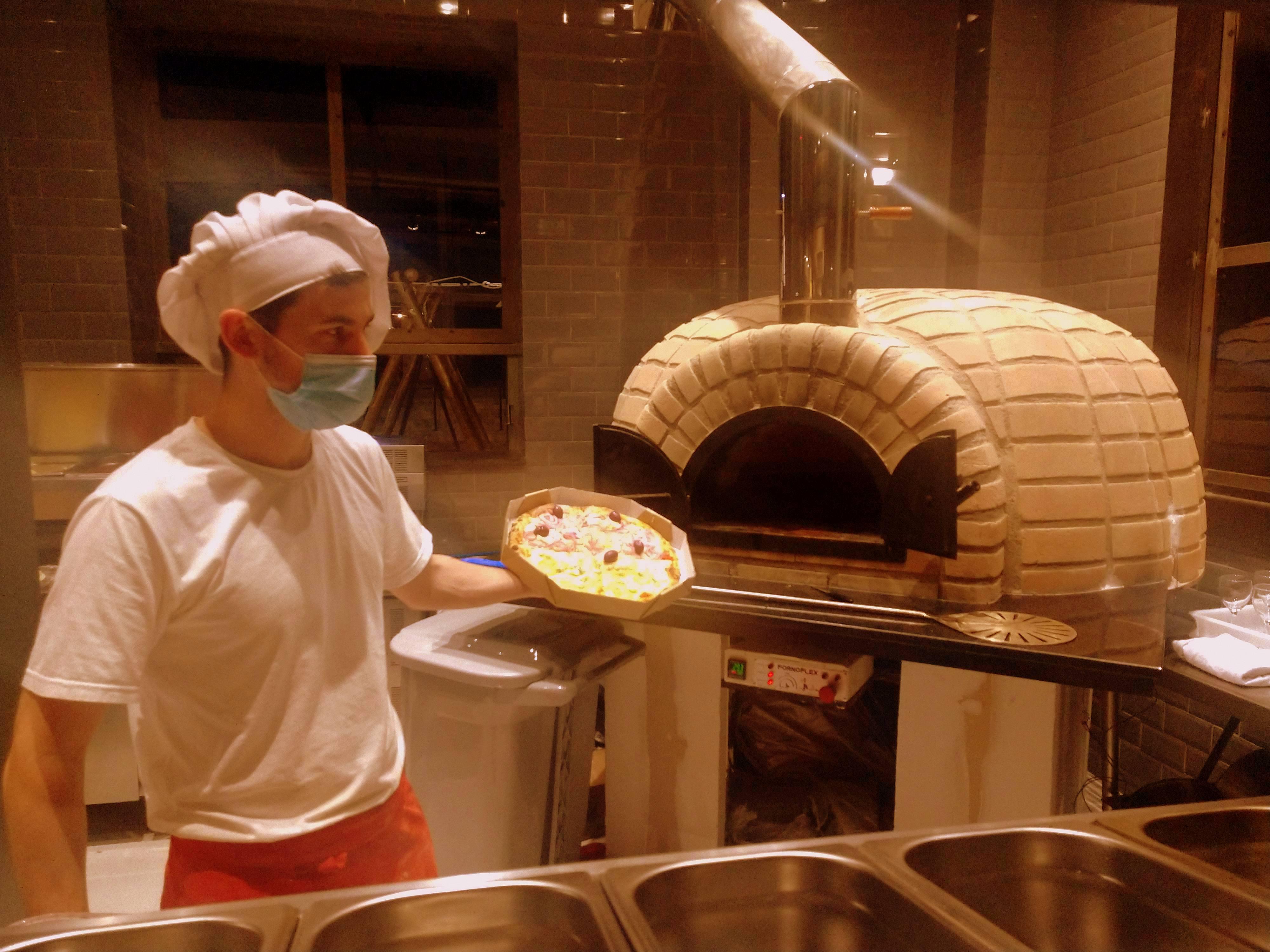 Saindo uma pizza nova casa: Funiculare, do Portão.