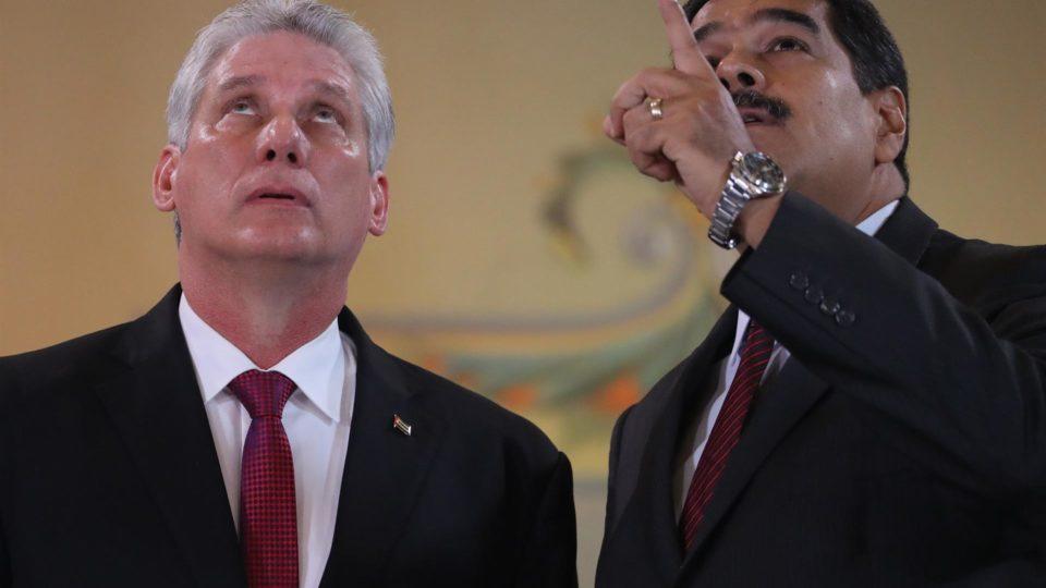 Ditador de Cuba, Miguel Díaz-Canel, e ditador da Venezuela, Nicolás Maduro, em 30 de maio de 2018
