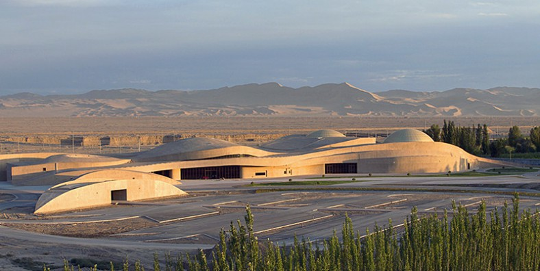 Mogao-Grottoes-Digital-Exhibition-Center-in-Dunhuang-cui-kai-arquitetura-chinesa
