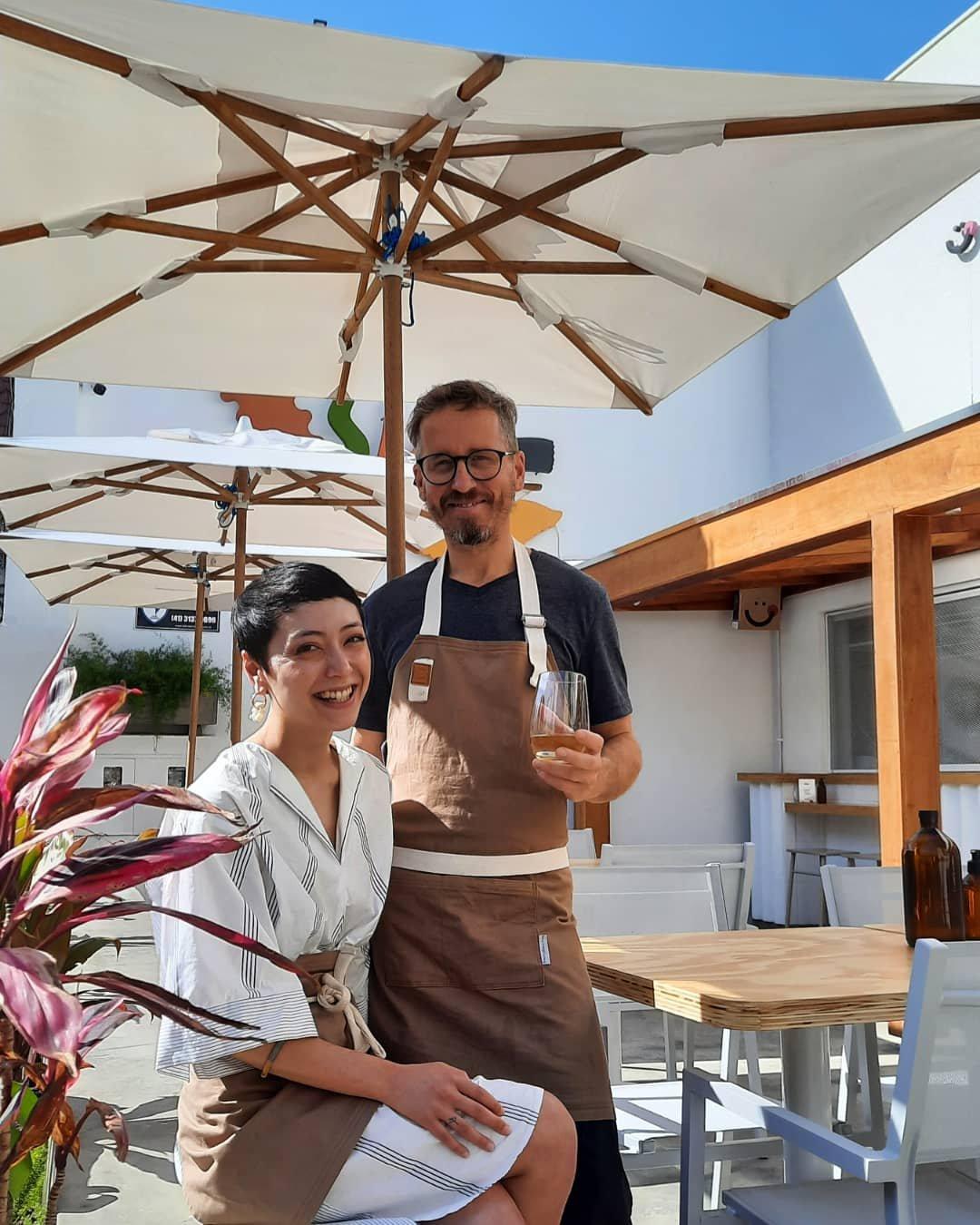 Yasmin Taketani e Erich Zelazowski. Parceria perfeita, na vida pessoal e na Pasta Basta.