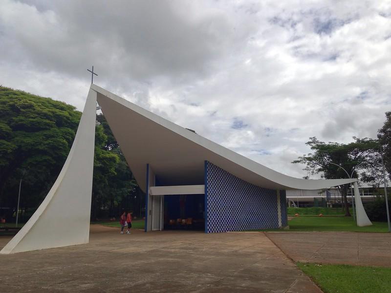 Igrejinha Nossa Senhora de Fátima, integrante do conjunto de obras de Niemeyer em Brasília.