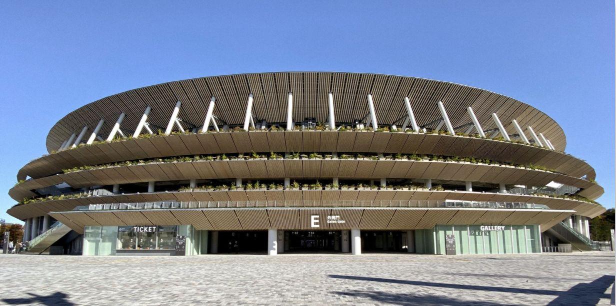 O Estádio Nacional do Japão, assinado por Kengo Kuma, foi construído com madeiras das 47 províncias locais.