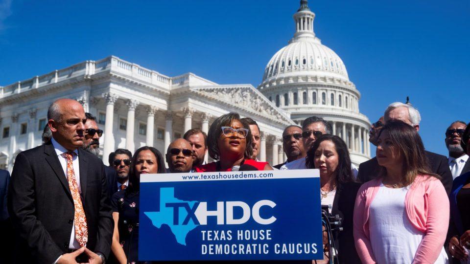 Democratas da Câmara de Representantes do Texas (EUA) em entrevista coletiva em Washington, 13 de julho