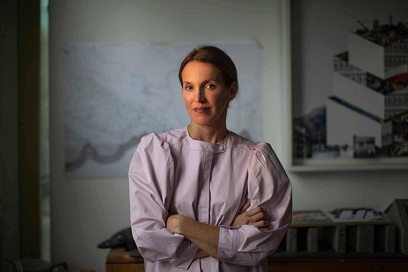 Arquiteta Tatiana Bilbao contesta a generalização da formatação do conceito de morar