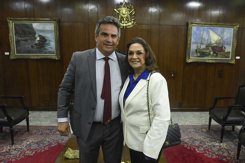 Eliane Nogueira (PP-PI), mother of Chief of Staff Ciro Nogueira, took a seat in the Senate this Wednesday (28).