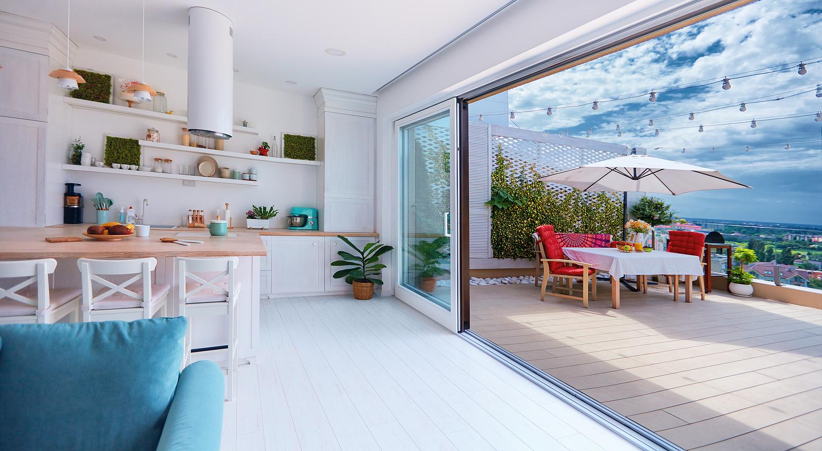 <em>Rooftop, livingroom,balcony</em>. Nomes estrangeiros também dominam batismo de espaços e tipos de plantas dos empreendimentos.