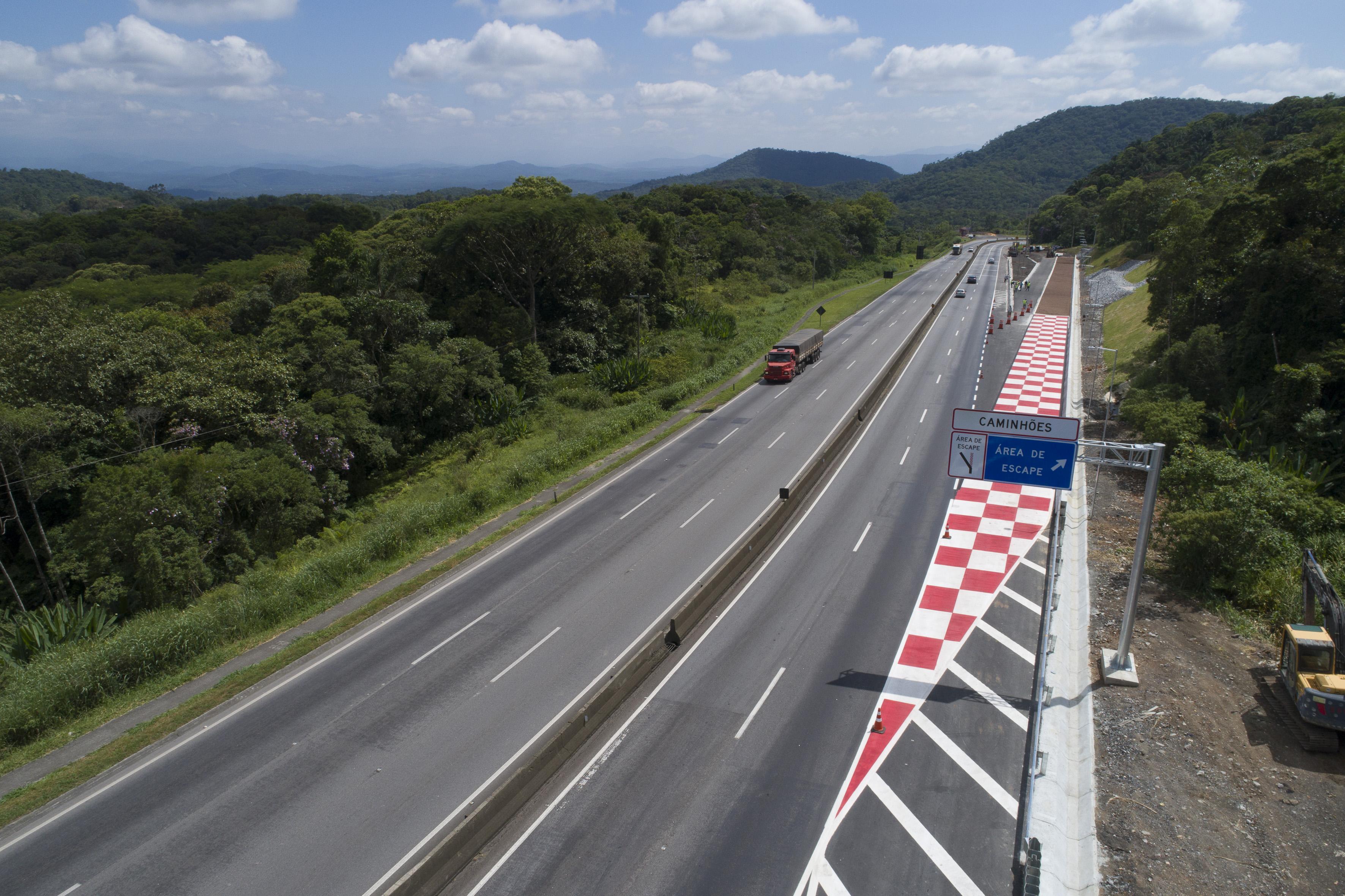 Área de escape da BR-277, sentido Curitiba-Litoral. ( Guilherme Pupo/Ecovia).