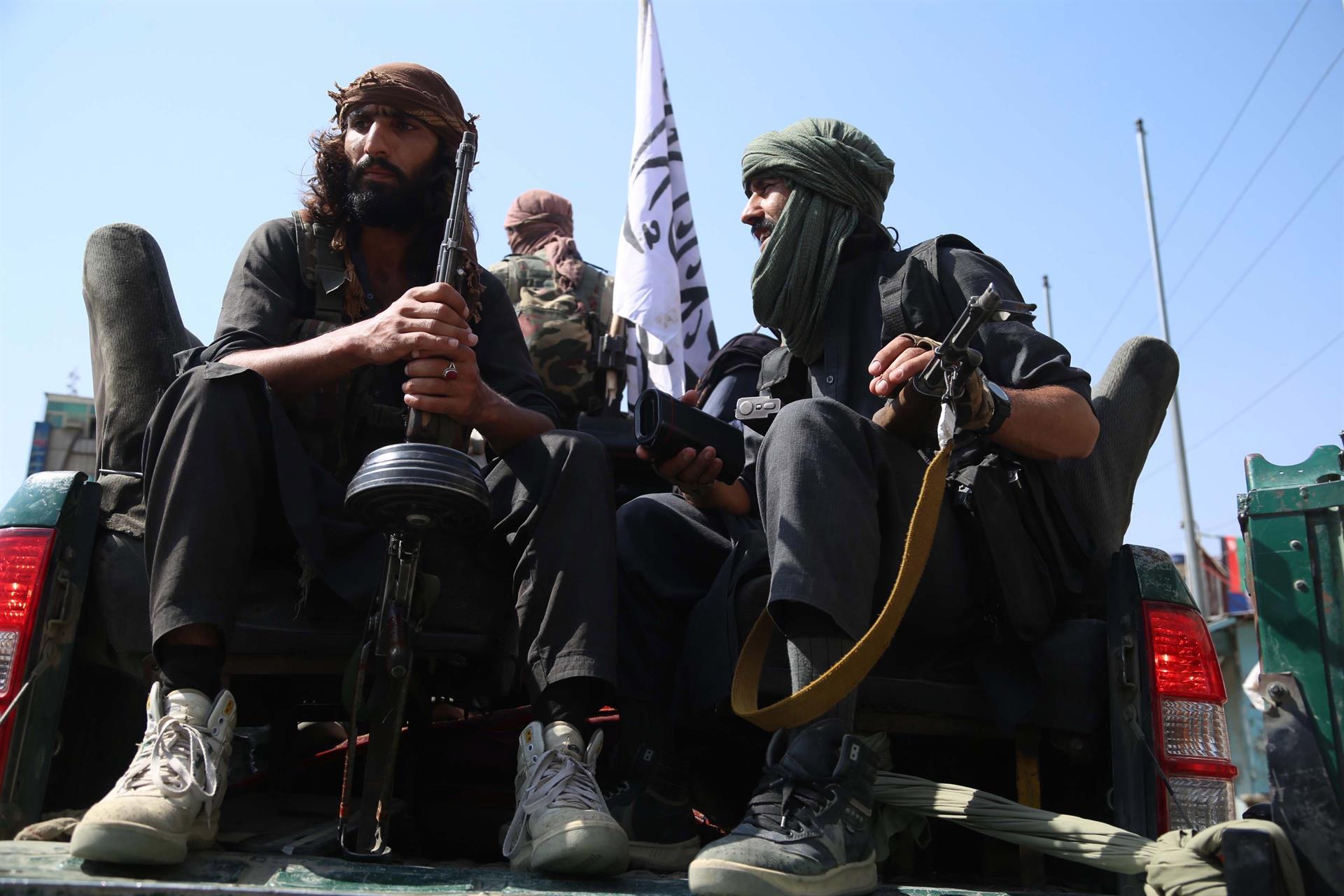 Combatentes do Talibã em Jalalabad, Afeganistão, 17 de agosto de 2021