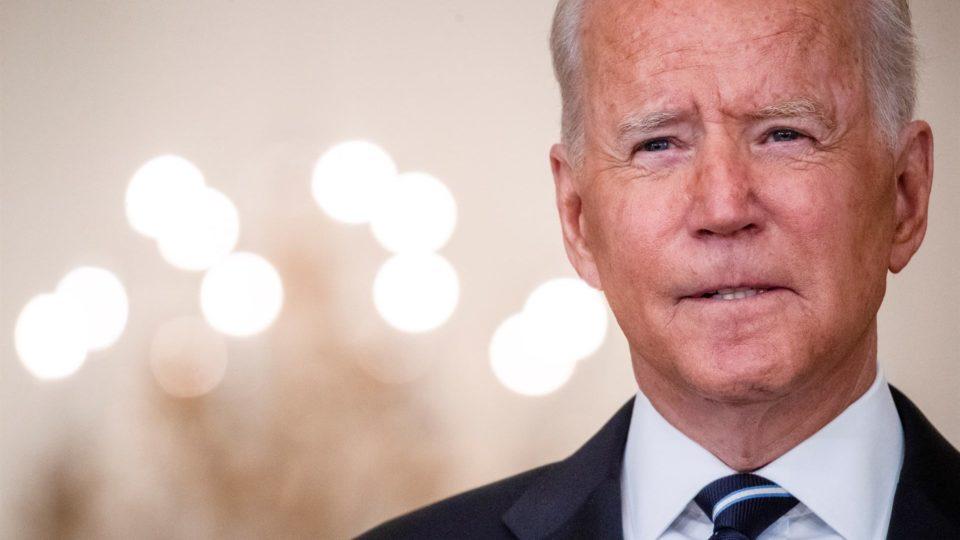 Para Ben Shapiro, a escolha do presidente Joe Biden é clara: demonstrar fraqueza no cenário externo e fomentar o intervencionismo doméstico.
