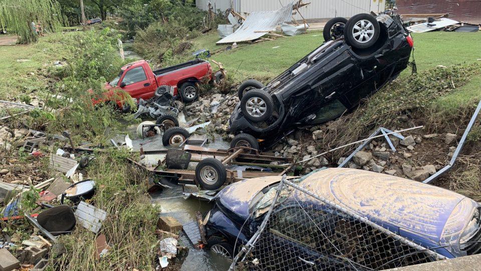 Fortes chuvas deixaram mortos e desaparecidos no Tennessee, sul dos Estados Unidos