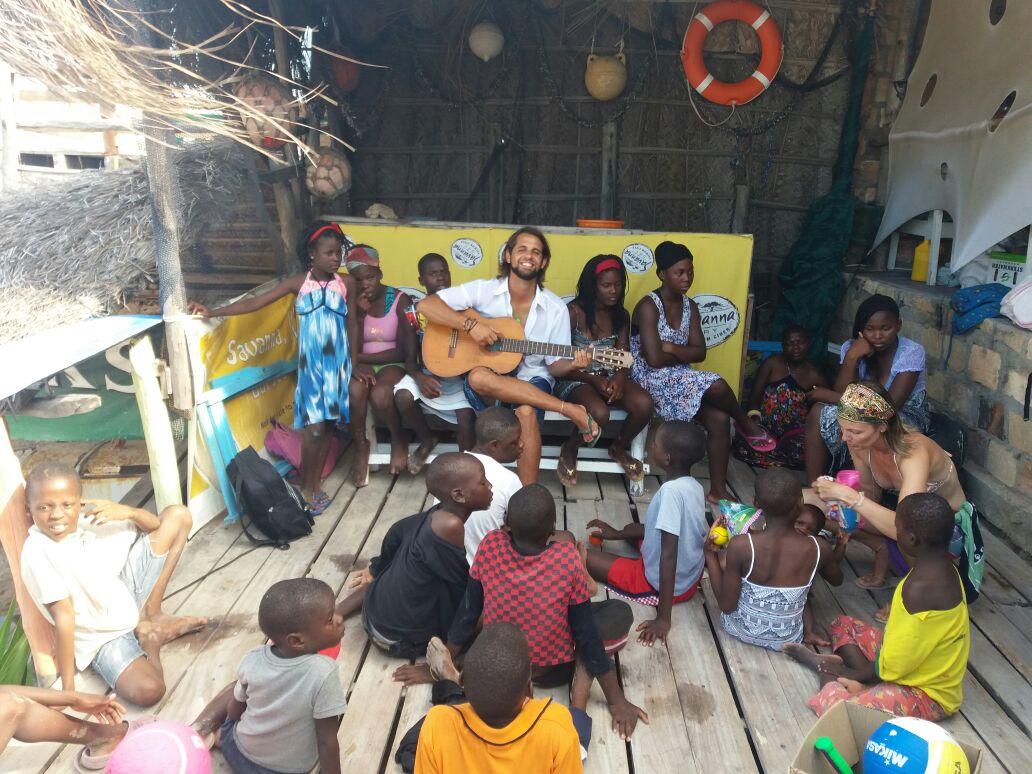 Ademir Grein em uma de suas viagens a Moçambique. Foto: Leticia Licheta