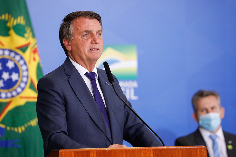 Bolsonaro sanciona com vetos lei que permite quebra de patentes de vacinas