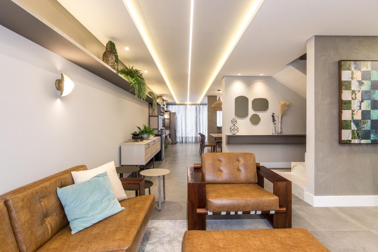 projeto de arquitetura residencial com mármore e couro
