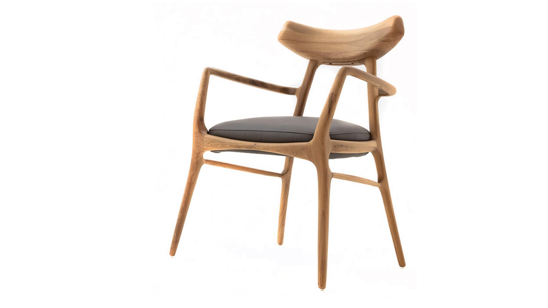 Gilda Chair.