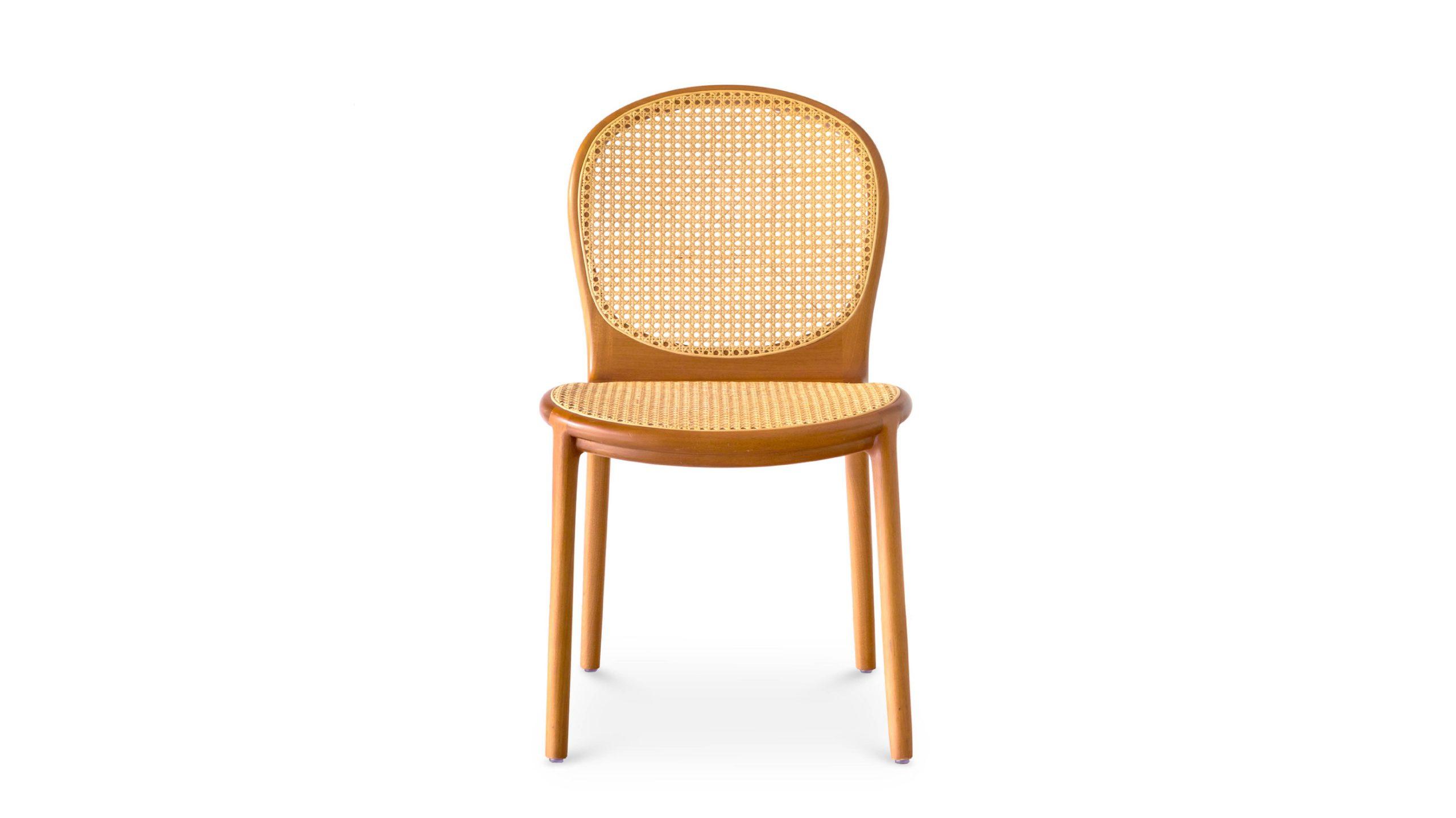 Medalinha Chair, por Lucas Bond.