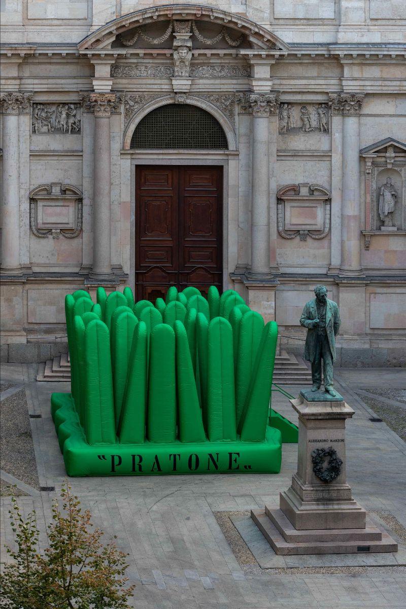 Pratone ganha uma nova versão em tecido e com menos troncos também para celebrar seus 50 anos.