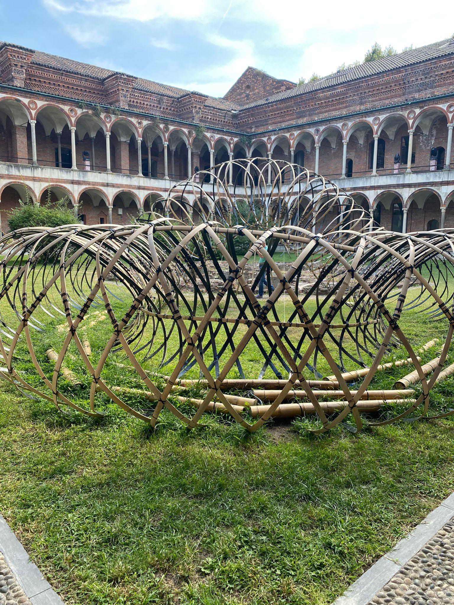 """Bamboo Ring: Weaving a Symphony of lightness and Form"", por Kengo Kuma"