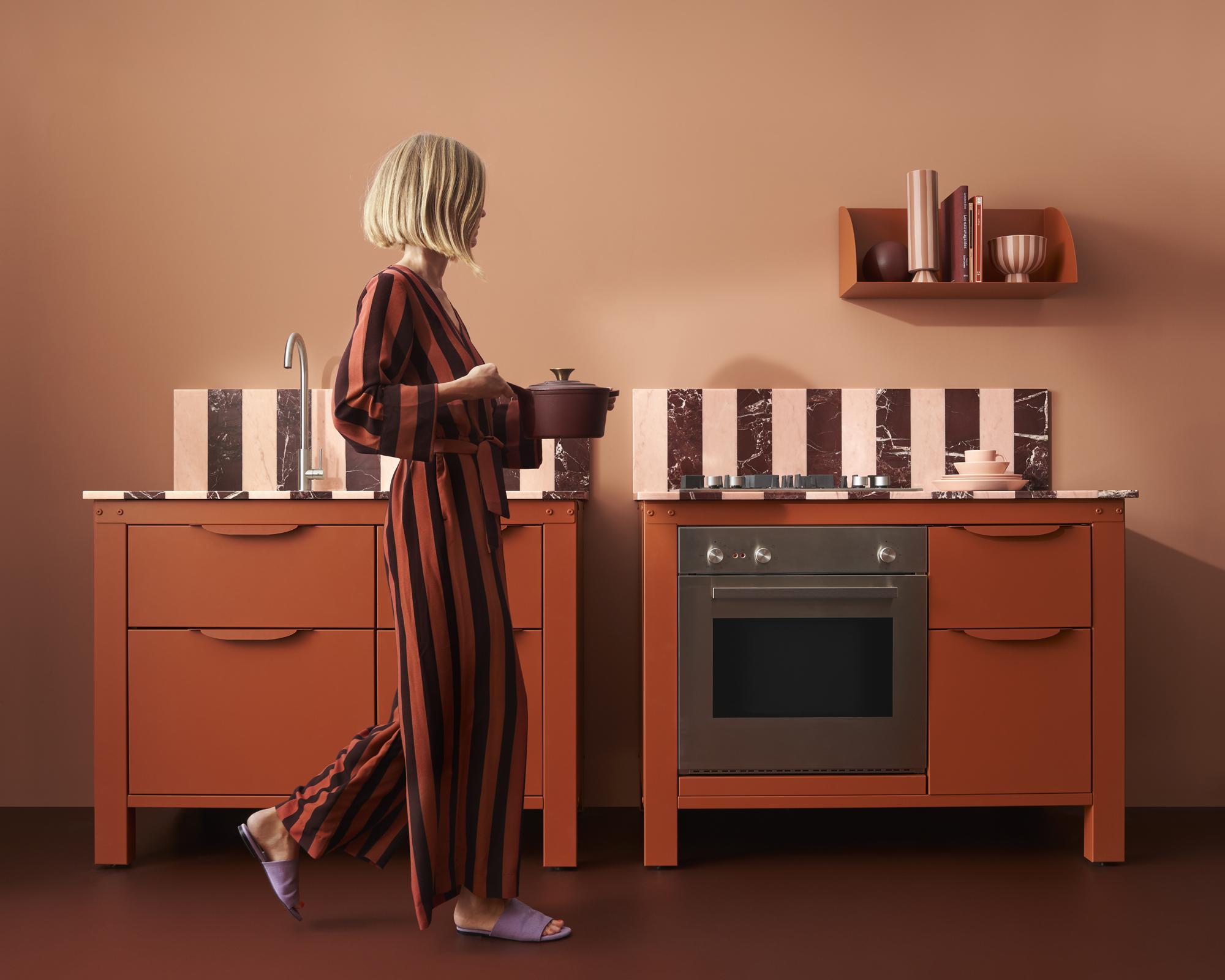 Cozinha da Very Simple Kitchen com a sueca Tekla.