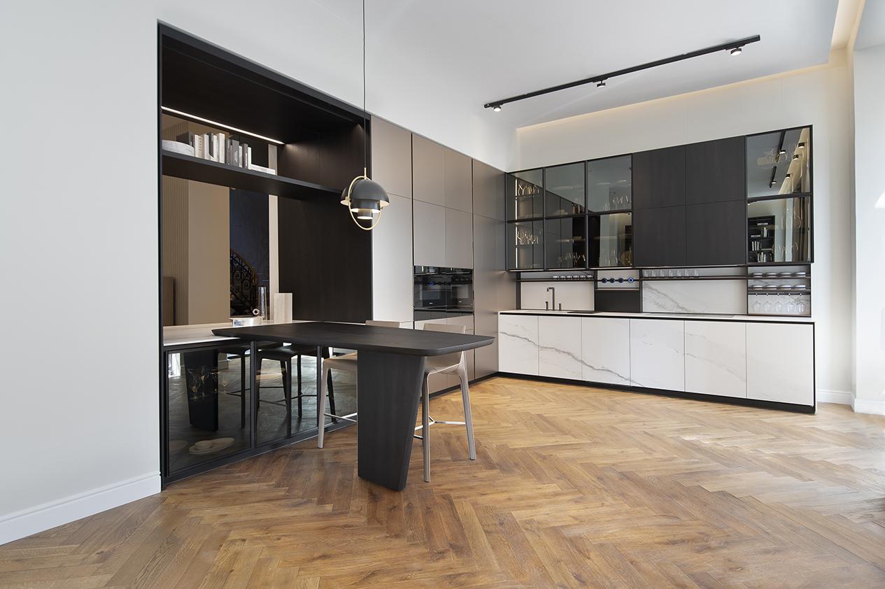 Cozinha da Poliform reúne diversos dos elementos em destaque na edição deste ano de Milão.