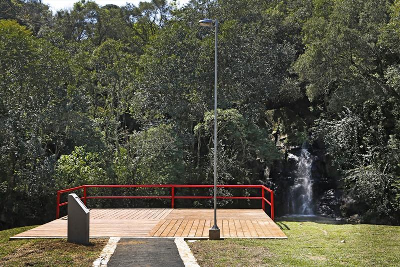 Parque Vista Alegre tem deck para contemplação.