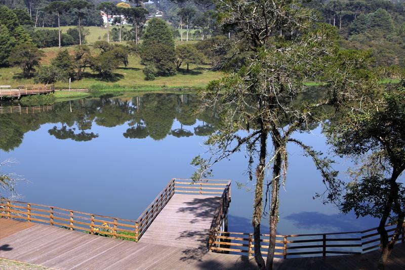 Parque no Umbará é opção para quem busca tranquilidade.