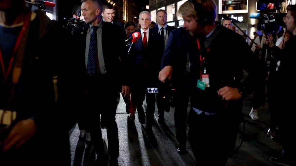Jonas Gahr Store, líder do Partido Trabalhista, a caminho do parlamento após as eleições parlamentares, em Oslo, Noruega, 13 de setembro