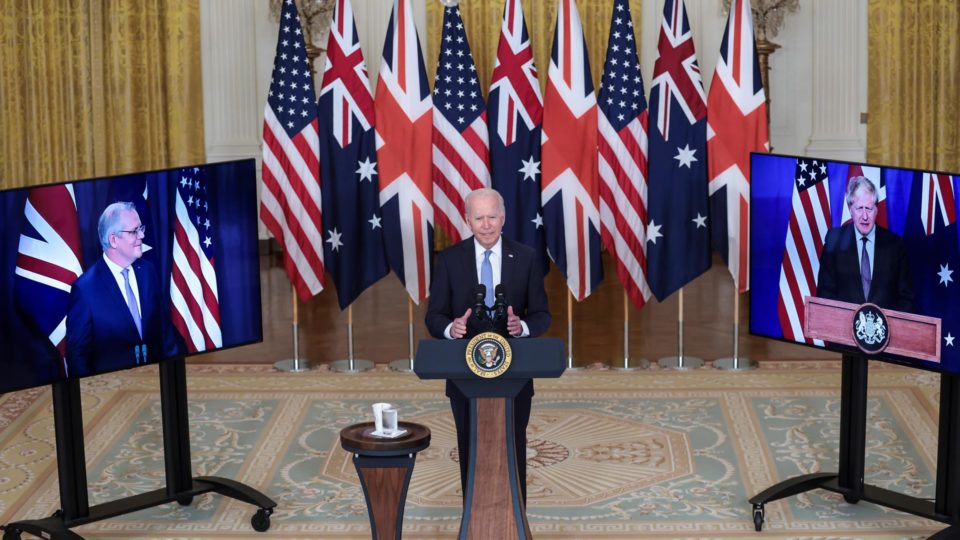 O presidente americano Joe Biden no anúncio virtual, com o primeiro-ministro australiano Scott Morrison e o britânico Boris Johnson