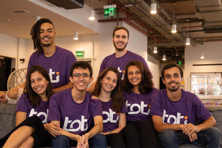 Na foto, os fundadores da Toti.
