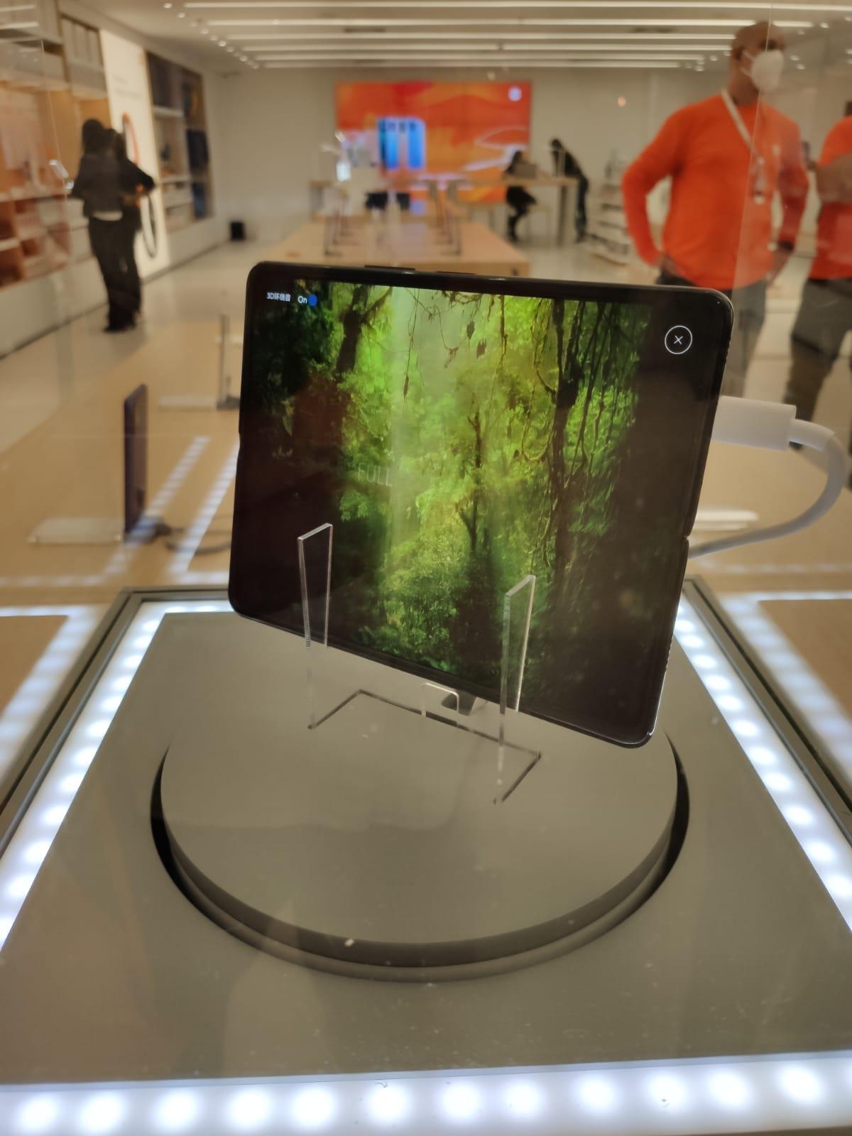 Mix Fold funciona como tablet e celular dobrável, e é o primeiro do tipo da marca chinesa.