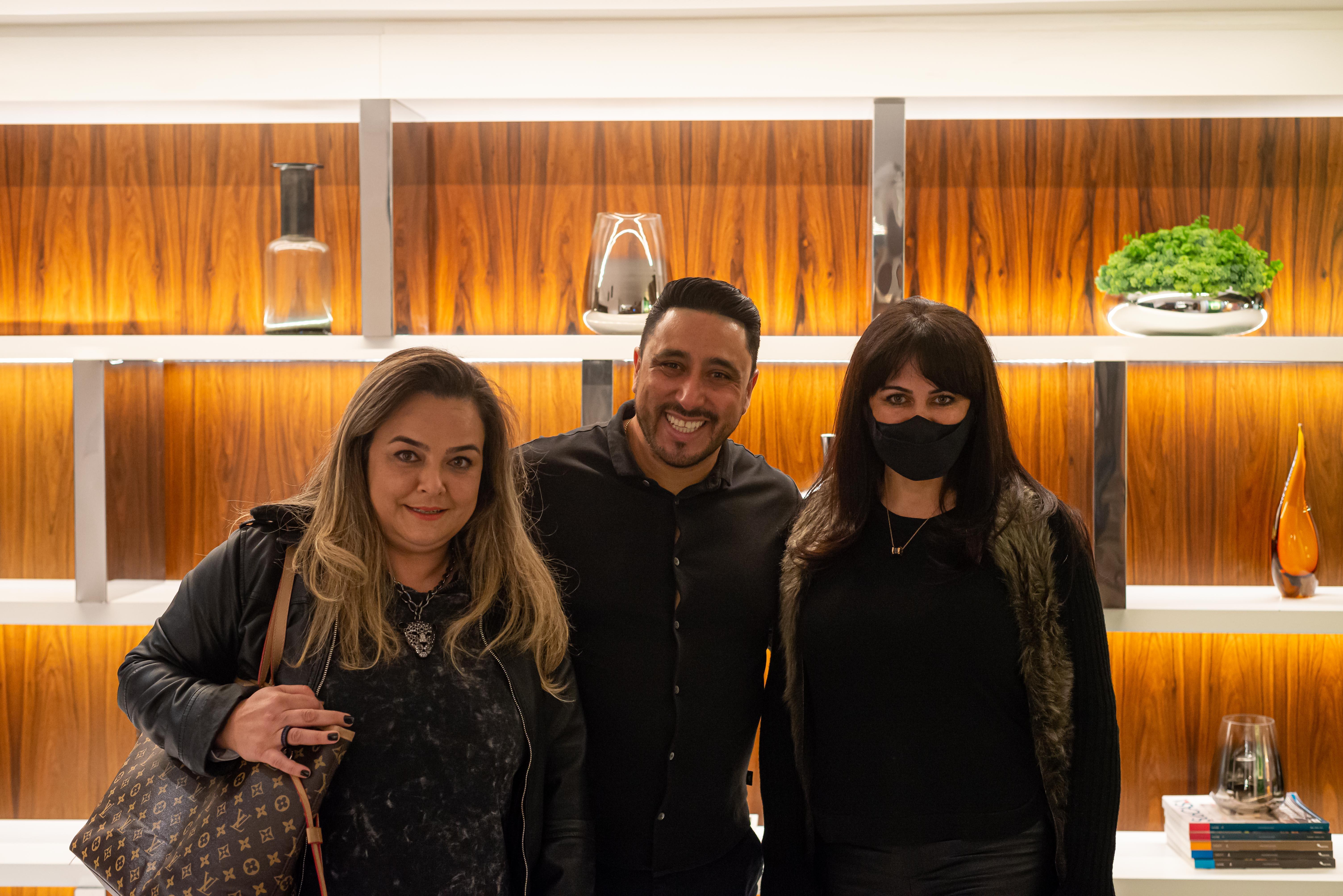 Vanessa Neves, o sócio da Mobitec, Eleandro Miranda, e Maria Alice Berndt.