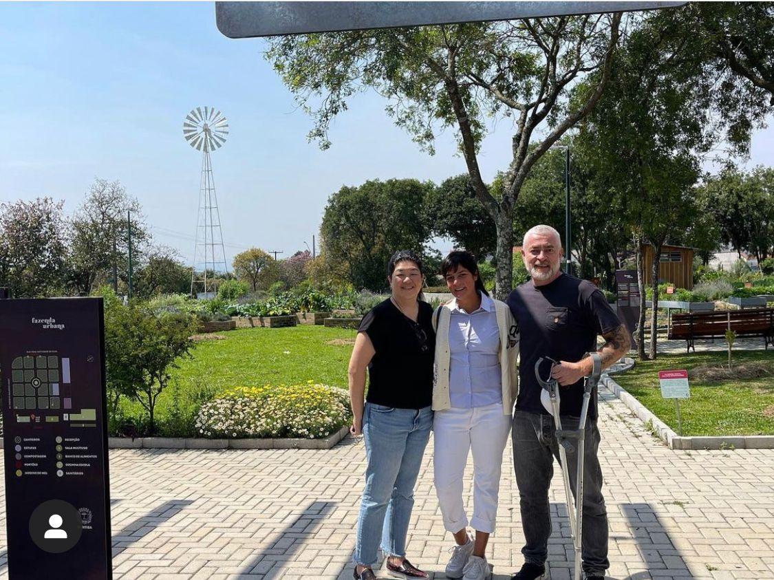 Andreia Ushida, Manu Buffara e Alex Atala. O chef é amigo e um admirador assumido do trabalho de Manu.